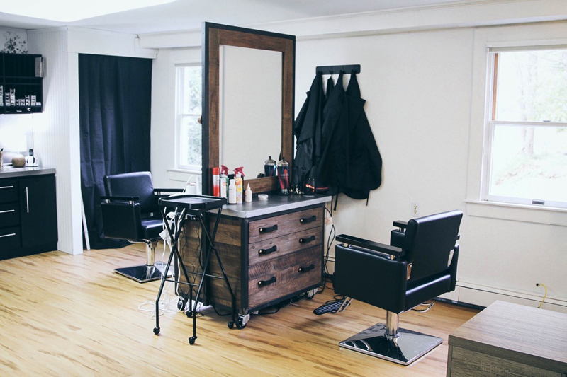983f87d2909e86 Newcastle Salon Aims for Relaxing, Intimate Experience - The Lincoln ...