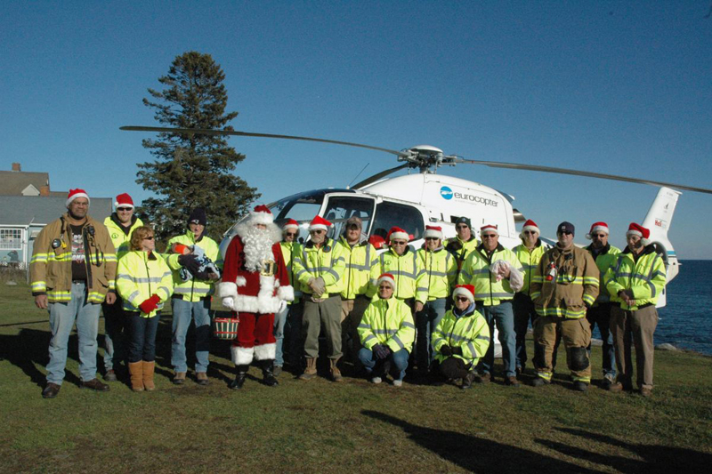 Flying Santa arrives at Pemaquid Point Lighthouse at 1 p.m. on Saturday, Dec. 8, weather permitting.