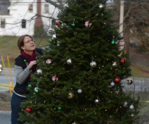 Villages of Light Seeks Volunteers for Tree Deployment this Weekend
