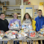 LA Class of 2022 Gives Thanksgiving Baskets to Food Pantry