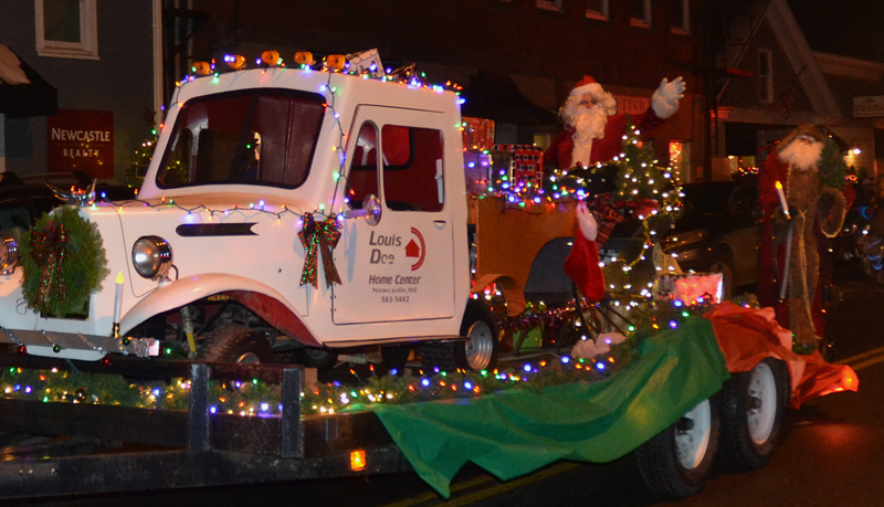 Louis Doe Home Center was voted the best business float for its entry in the Parade of Lights on Nov. 24. (Maia Zewert photo, LCN file)