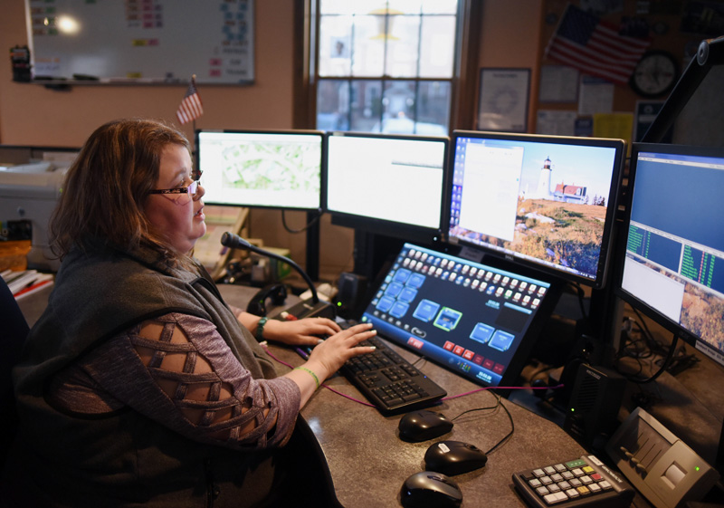 Dispatcher Emily Snowman works at the Lincoln County Communications Center on Thursday, Jan. 10. (Jessica Picard photo)