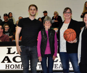 Newcastle Realty Sponsors LA Half-Time Shoot-Out
