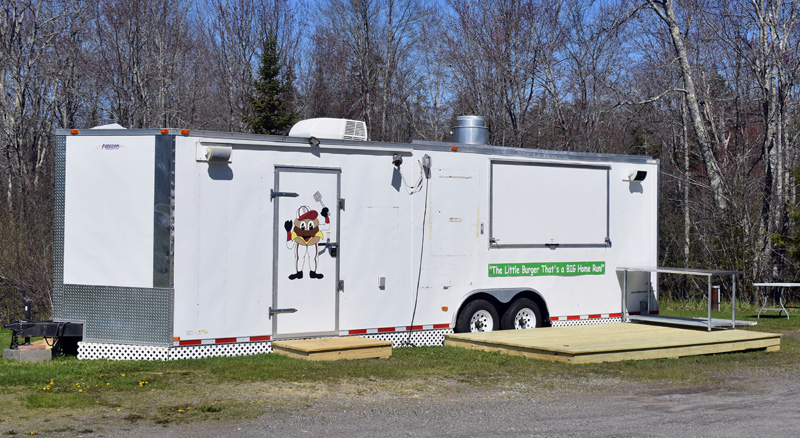 Delano Seafood will serve crab and lobster rolls, fried seafood, and ice cream from a food wagon next to the seafood market on Route 1 in Waldoboro. The wagon was formerly at Old Orchard Beach. (Alexander Violo photo)