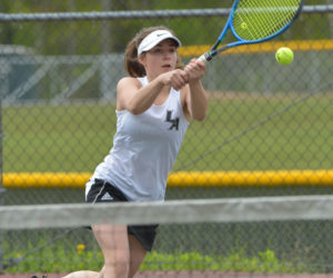 "<span class=""entry-title-primary"">Lady Eagle tennis strokes past Freeport</span> <span class=""entry-subtitle"">Lincoln 5 - Freeport 0</span>"
