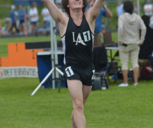 "<span class=""entry-title-primary"">LA's Sam True crowned State B champion in 1600m racewalk</span> <span class=""entry-subtitle"">Sam Russ second in mile, Jarrett Gulden third</span>"