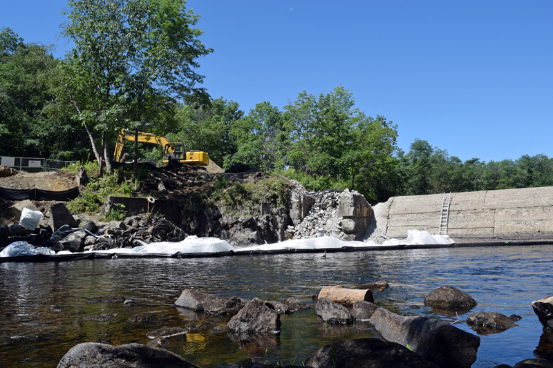 A view of the Head Tide Dam construction site from across the Sheepscot River. (Jessica Clifford photo)