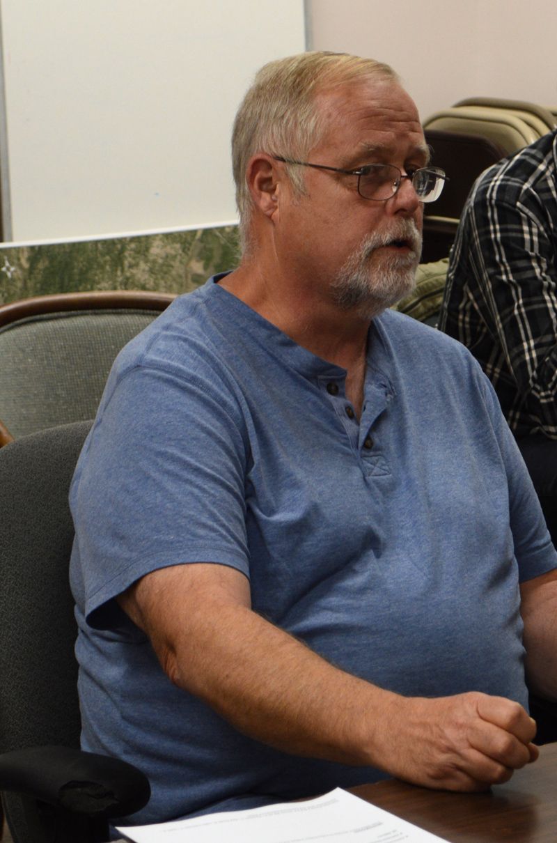Sweet Georgia BBQ owner Ken Flower addresses the Newcastle Board of Selectmen on Monday, Sept. 9. The selectmen approved a permit for Flower to open a food wagon at 67 Main St. (Evan Houk photo)