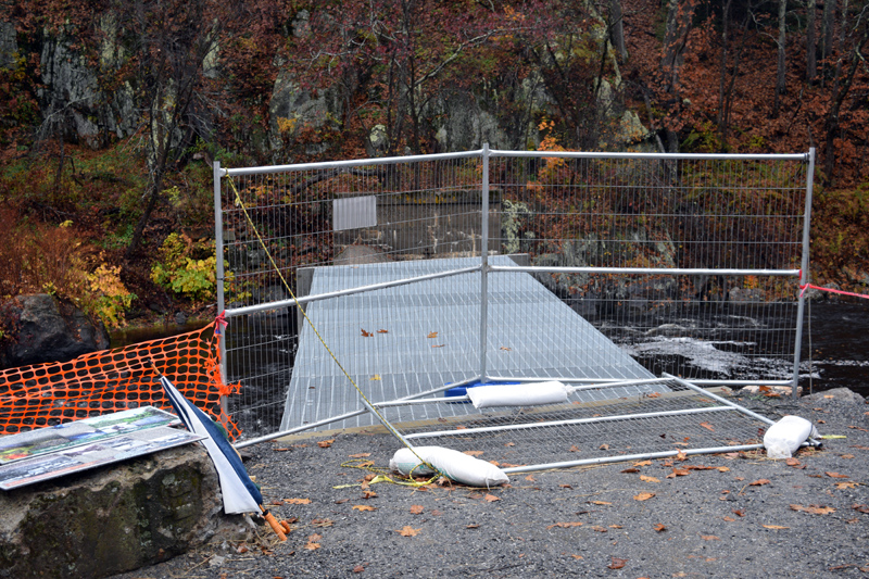 A fence blocks off the new overlook at the Head Tide Dam, which does not yet have railings. (Jessica Clifford photo)