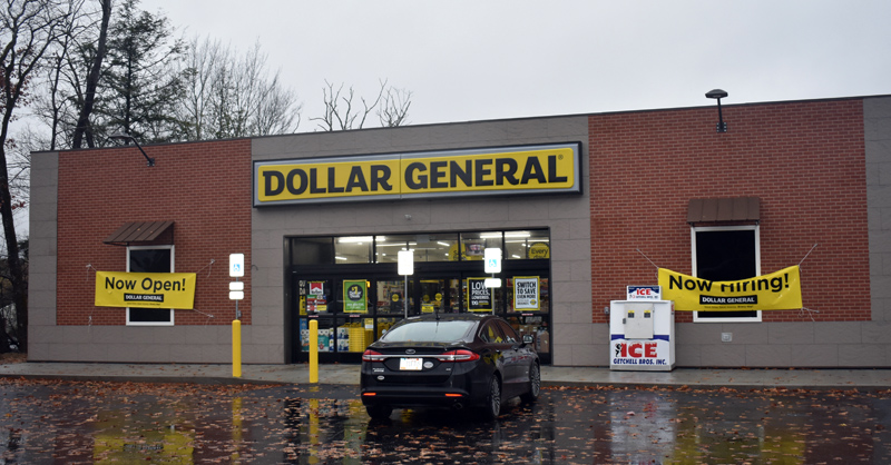 The new Dollar General store in Wiscasset is open from 8 a.m. to 10 p.m. seven days a week. (Alexander Violo photo)