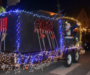The Lincoln County Sheriff's Office won best town/municipal parade entry. (Maia Zewert photo, LCN file)