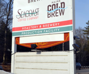 A temporary sign announces the new location of Seacoast Coffee Co. at 564 Bath Road in Wiscasset. (Charlotte Boynton photo)