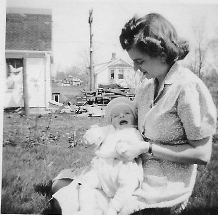 Gina Rayburn holds her son Jimmy Doore in 1943. (Photo courtesy Vicki Loveridge)