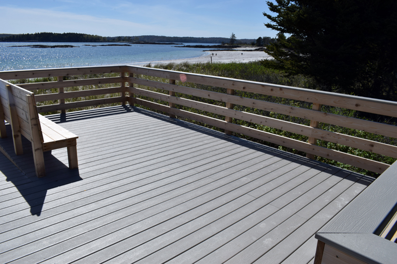 A viewing platform to one side of the new boardwalk at Pemaquid Beach Park. (Evan Houk photo)