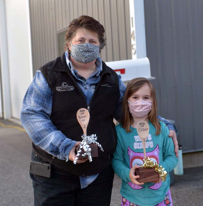 Talia Brown won a bake-off contest over her aunt, runner-up Darcy Knof. (Paula Roberts photo)