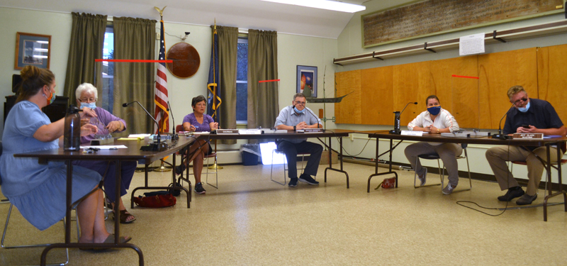 The Wiscasset Board of Selectmen holds an emergency meeting Thursday, Sept. 10. From left: Selectmen Kimberly Andersson, Katharine Martin-Savage, and Pamela Dunning; Town Manager Dennis Simmons; and Selectmen Sarah Whitfield and Jefferson Slack. (Charlotte Boynton photo)