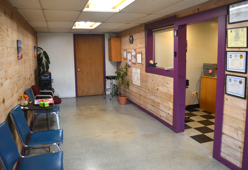 The waiting room at JM Automotive's new location. (Maia Zewert photo)