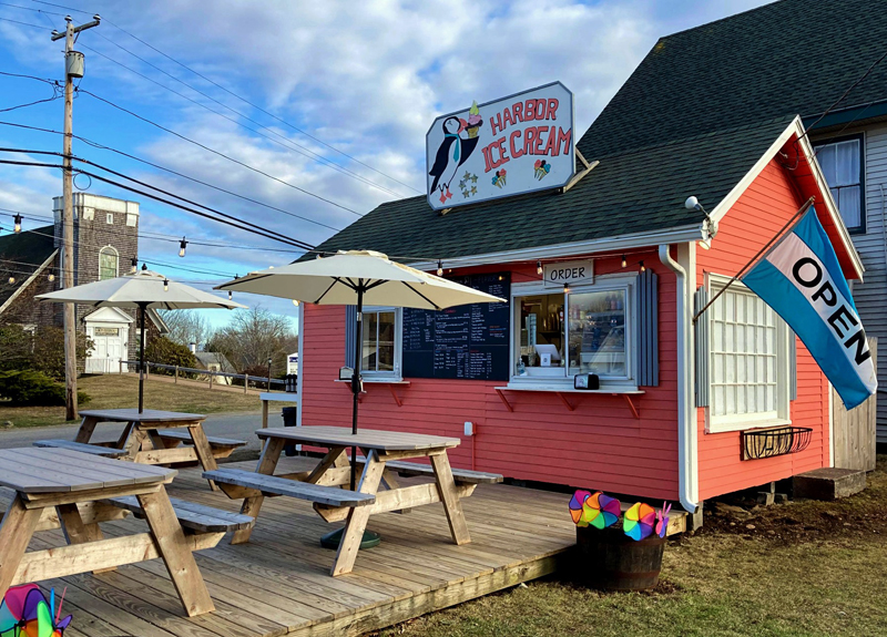 Harbor Ice Cream and Cafe on the Hill, of New Harbor, now offers coffee from Monhegan Coffee Roasters and homemade baked goods. (Nettie Hoagland photo)