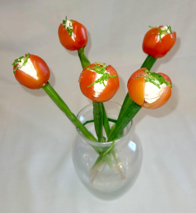 Ingrid Gundersen's tulip BLT bites in a bouquet.
