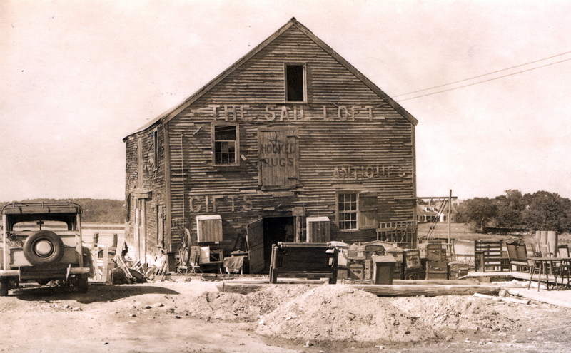 The Sail Loft was an antique and gift shop run by the Williams around 1946. (Postcard courtesy Calvin Dodge)
