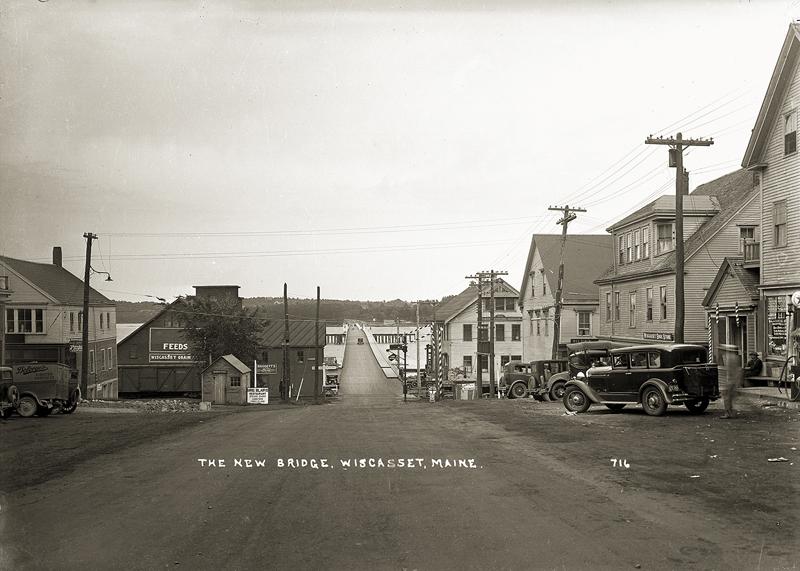 The new bridge, Wiscasset. (Courtesy Penobscot Marine Museum)