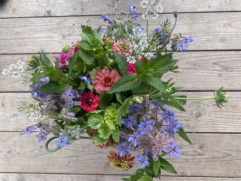Veggies to Table is spreading flower love to those in need of joy. (Photo courtesy Veggies to Table)